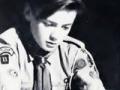 Tony Meehan als boyscout.