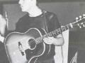 Bruce accoustische Gibson J45.