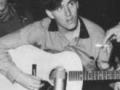 Bruce accoustische Gibson J50.