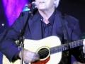 Bruce kreeg deze accoustische gitaar van gitaarbouwer en close friend Mick Johnson op zijn zestigste verjaardag.