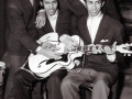 The Tielman Brothers met een Miller Egmond ES-57 White.