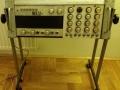 Meazzi Golden Sound PA Solid State Mixer 2x100 watt met 2 boxen 4x12 inch, fabrikaat SEP, op standaard.