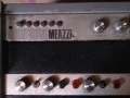 Meazzi Golden Sound PA Solid State Mixer 2x100 watt met 2 boxen 4x12 inch, fabrikaat SEP, front links.