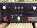 Meazzi - emThree Echotronic, panel links.
