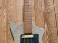 Meazzi Vanguard gitaar 2 pickups  1961-1964, Sparkle Creme, front.