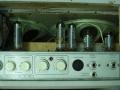 Meazzi Ultrasonic PA588 1960-1963, chassis met buizen EZ81 gelijkrichter, preamp 2xECC83 (12AX7), EL84 en EL86, Geloso pluggen vervangen door jacks.