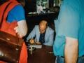 1999 september 37e De Druiventros middag, Jet Harris signeert zijn CD voor fans.