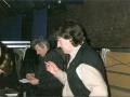 Standhouders en Cliff verzamelaars Arie de Kwaadsteniet en John Planjer bij hun platenstand.