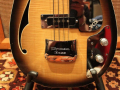 V248 Wyman Bass Tobacco Sunburst 2 pickups 1969, UK model, afdekplaat kam.