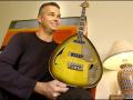 V248 Wyman Bass, gestolen tijdens de Wellington Tour (NZ) en in 1980 in bezit van Nick Sceats (foto). In 2004 terug naar Bill Wyman.