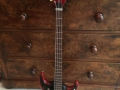 Burns Artist Bass in Cherry Red met Tri Sonic Pickups 1960, instapmodel.