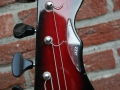 Burns Jazz Bass Redburst 1964, headstock front.