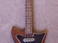 Burns Sonic Bass 1960, body en toets mahogany.
