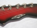 Burns Split-Sound 6 string Red Burst Bass-Baritone gitaar 1962, headstock front.
