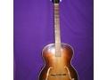 Hank stapte over van banjo naar gitaar en kreeg op zijn 16e verjaardag in 1958 van zijn vader een akoestische Hofner Congress, kostprijs 19 guinnees.
