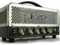 2009- Vox Night Train NT15H, Powerswitch 7,5-15 watt RMS, 2xECC83 en 2xEL84. Switch Bright-Thick. Gain, Treble, Middle, Bass en volume controls.