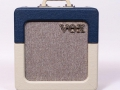 2014 Vox AC4C1-TV BC Two Tone Blue Cream, Tygon grillcloth, Limited Edition, Korg China. 1 EL84 2 ECC83, diode gelijkrichter, 10 inch Celestion VX10 speaker.