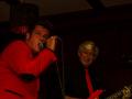 Reunie Back to Tilburg, avondoptreden The Explosion Rockets, Ruud (vocals) en Thom (rhythm).