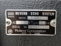 Roland Space Echo RE-100 typeplaatje.