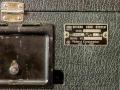 Roland Space Echo RE-200 deksel gesloten ruimte voor snoer en typeplaatje.