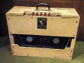 Vox AC10 Twin 1963, Fawn, Plastic handle, back.