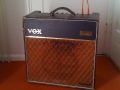 Vox AC15 1963 Bass Black Pebble Rexine, Bass badge, lederen handle.
