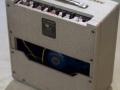 Vox AC15 Split- front Fawn 1961, lederen handle, brass vents, back bovenzicht.