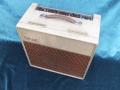 Vox AC15 Split- front Fawn 1961, lederen handle, brass vents, front bovenzicht.