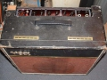 Vox AC15 Split-front eind 1963, Pebble rexine , Brass vents, SBU handle, red panel, Pill voltageselector.