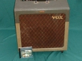 Vox AC15 TV Front Two Tone begin 1960, front met Brown Diamond Grillcloth en Jennings badge.