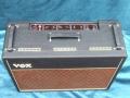 Vox AC15 Twin voorjaar 1964, Basket weave rexine, Red panel, Brass vents, SBU handles, top.