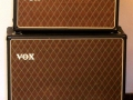 2004-2009 Vox AC30CCH head met V212 cabinet Korg China met 12 inch 2 x Wharfedale (BN) of Chinese Blue alnico (BNX) speakers.