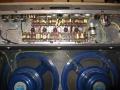 Chassis en 2 * 12 inch Blue Alnico Celestion T.530 speakers van Vox AC 30/4 Twin - Split-front 1960-1961.