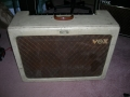 Vox AC30/4 TV Front Twin cream 2x12 inch, EF86 circuit, medio 1960.