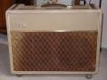 Vox AC30-4 black-panel 1960-1961, Fawn, brass vents, lederen strap handles.