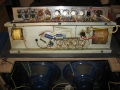 Binnenwerk Vox AC 30/6 Twin 2*12 inch. Mooi zicht op originele Celestion 12 inch T.530 Blue alnico speakers. Chassis met Haddon trafo's.