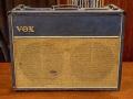VOX AC30/6 TB Red panel 1963 met rare Custom Colour Dark BLUE covering en Grey speaker cloth, front.