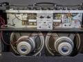 Vox AC 30/6 Treble, Red panel van juli 1964 open back. Maatwerk modificatie toonregeling middels add-in rear panel module. Toegevoegde ECC83 buis voor Top Boost toonregeling en EF 86 buis voor AC 15 gebruik.Grey silver Celestions T1088 MK1 Alnico speakers, solderingen op het huis.