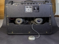 Gemodificeerde Vox AC 30/6 Treble van juli 1964, basketweave, Grey silver Celestions T1088 MK1 Alnico speakers. T stempel op chassis.