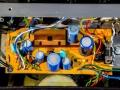 Binnenwerk Vox Escort Battery, in Dallas uitvoering 1974-1979. Greypanel loopt niet door in achterwand.