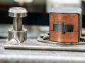 Bruin bakelieten wiskop Vox .  Toegepast op Vox Short Tom en Long Tom MKII-CO2. Fabrikant Marriott Magnetics Ltd , Wembley.
