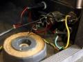 Vox Gyrotone MK2 Rotary cabinet 1967, ringkerntrafo en aansluitblok inwendig.