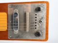 Hawaiin Steel Guitar 1964 mahogany body, 6 snaren, 1 Vox pickup 2 controls.