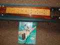 Hawaiin Steel Guitar 1964,  mahogany body , 6 snaren, 1 Vox pickup , controls, op original  case.