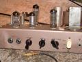Vox AC4 JMI begin 1964, 4 watt RMS buizenchassis EZ80 gelijk, EF86 input, ECC83 tremolo, EL84 eindbuis.