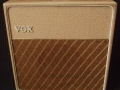 Vox AC4 JMI eind 1962, large cabinet Fawn, White plastic handle, Brass vents, Wooden footswitch.