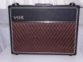 Front Vox AC30 TB oktober 1967, Grey Panel, gesloten Vox logo.