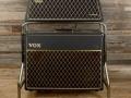 Vox AC30/6TB Super Reverb Twin Slant-Top UK versie mid 1965. Head en AC50 MK1 speakercabinet op trolley. Eind 1965-1966 versie zonder trolley.De Slant versie werd voornamelijk afgezet op de US markt.