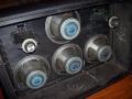 1966- Vox 7120 Hybride half open cabinet met 4x 12 inch Celstion ceramic T1.225 speakers plus 2 Midax horns, goed voor 120 watt RMS.