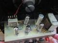 JD kleine Outputtrafo 5200 in AC4 chassis 1962. rechst vermoedelijk JD Choke RT290.